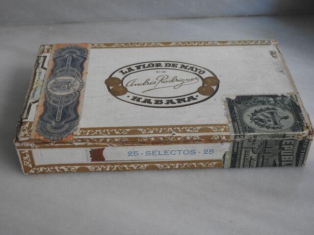 Caja Antigua De Puros La Flor De Mayo