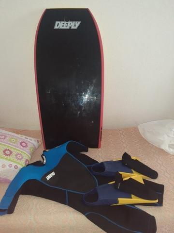 Traje De Surf,  Tabla Y Aletas