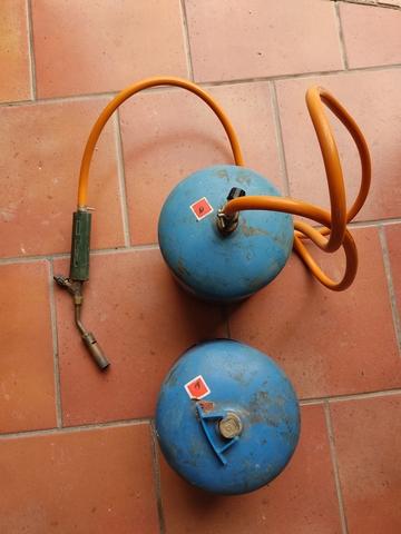 Soplete Y Dos Bombonas De Gas