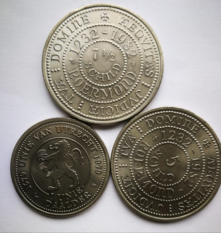 3 Medallas Y Monedas Conmemorativas País