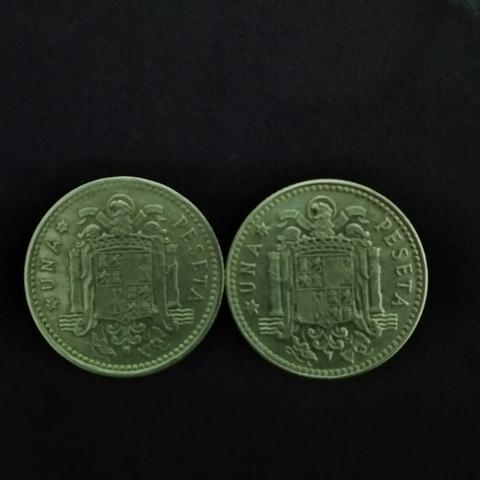 2 Monedas De Una Peseta De 2975 Juan Car