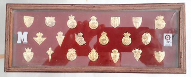 Insignias Pines Oro Fútbol 2003-2004