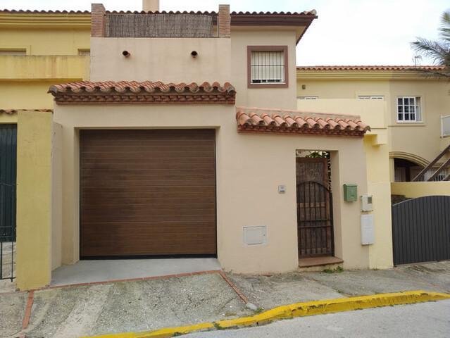 Puerta Seccional De Garaje Con Motor