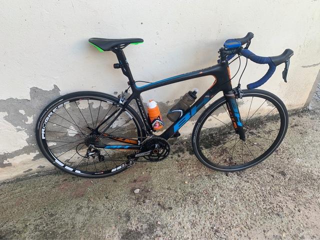 Bicicleta De Carretera Bh De Carbono.