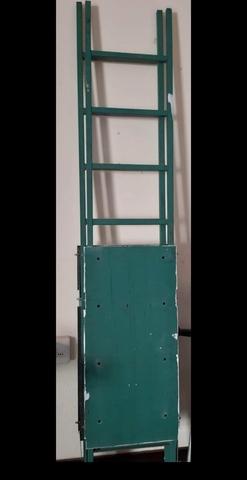 Escaleras De Pared