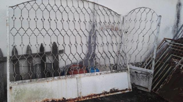Puerta Dos Hojas De Hierro