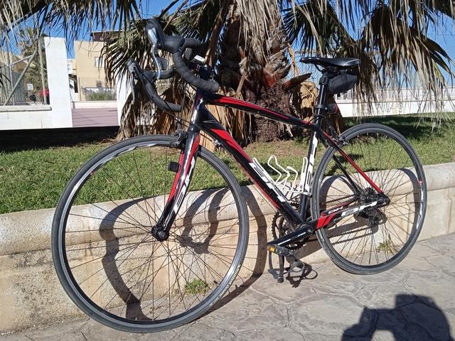 Cambio O Vendo.  Bicicleta De Carretera.