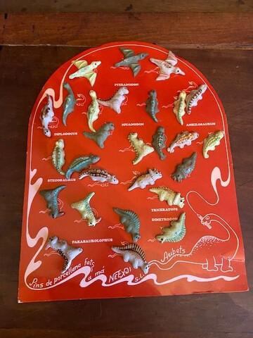 Coleccion De 27 Pins De Dinosaurios