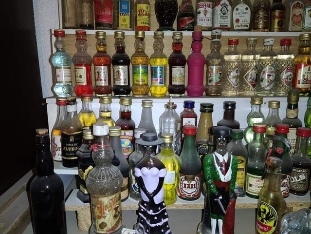 Gran Colección De Mini Botellas Antiguas