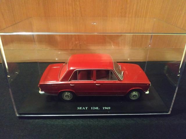 Seat 124 L De 1969 Escala 1 24