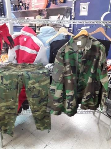 Pantalones Y Camisas Para Actividades Al