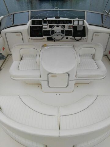 SEA RAY 550 SEDAN BRIDGE - foto 9