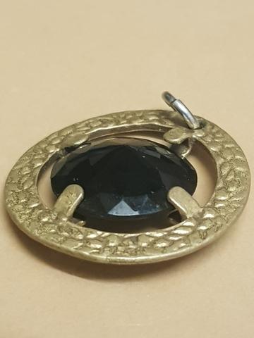 Colgante De Oro Y Diamante Negro