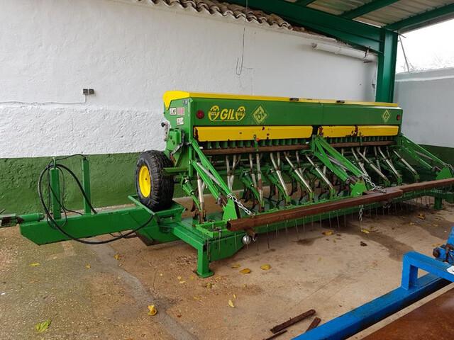 SEMBRADORA CON CARRO DE TRANSPORTE - foto 1