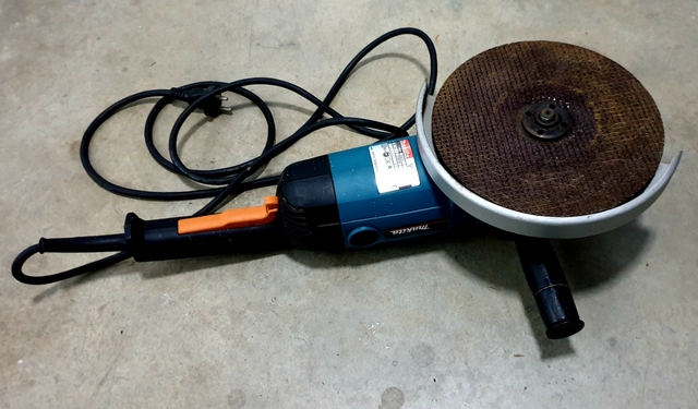 Radial Amoladora Makita 2000W
