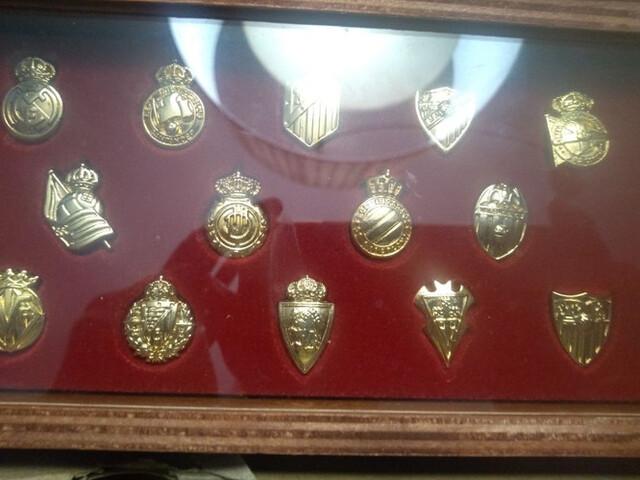 Insignias Oro. Liga 2003/2004