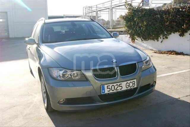 BMW - SERIE 3 318D TOURING - foto 2