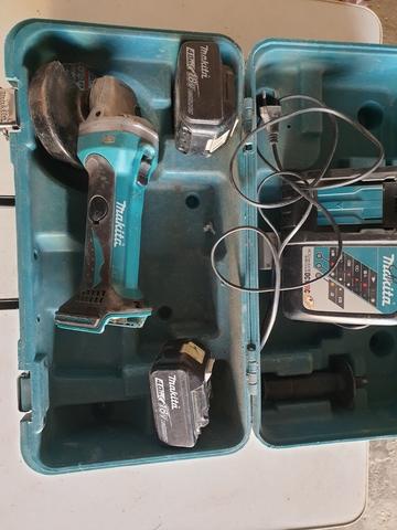 Radial Bateria Makita 115 Mm Dga 452