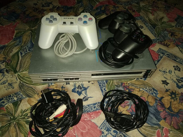 PLAYSTATION 2 - foto 5