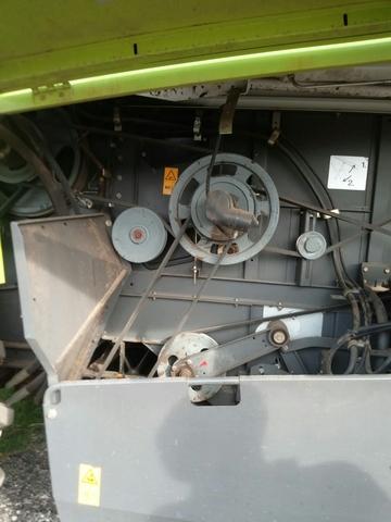 CLAAS MEDION 310 + OPCION CORTE PLEGABLE - foto 3