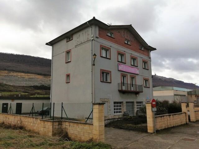 HOTEL EN VENTA Y ALQUILER - foto 2