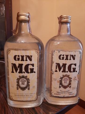 Ginebra M.G. Botella Antigüa