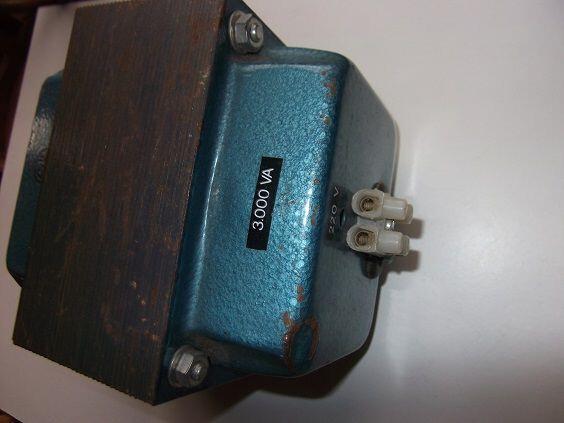 TRANSFORMADOR 220-260V.  3000W.  - foto 1
