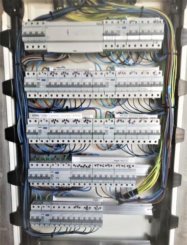 ELECTRICISTA AUTORIZADO - foto 2
