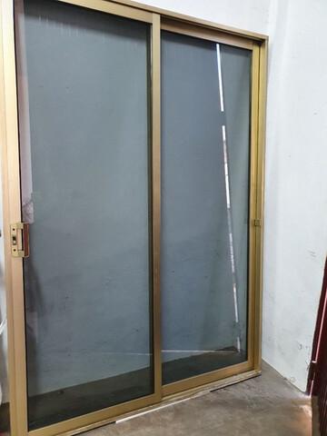 Puerta Aluminio Oro
