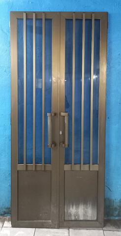 Puerta Aluminio Marron 2 Hojas