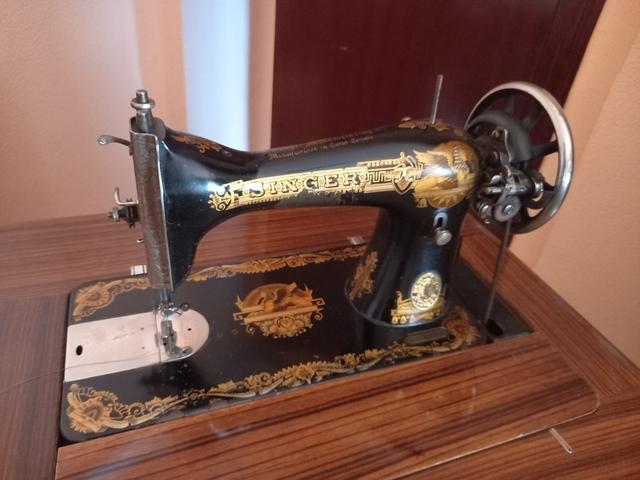 Antigüedades. Máquina De Costura Singer