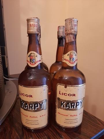 Licor Karpi Antigüa Botella Años 70