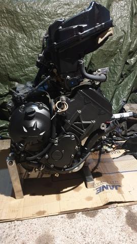 MOTOR COMPLETO DE SINIESTRO R6R GSXR - foto 3