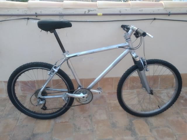 Bici (+Casco+Luces+Herramientas)