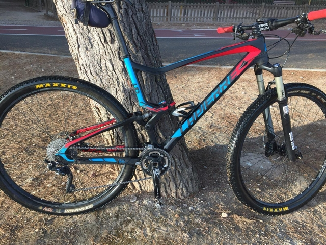 Bicicleta De Carbono De 29 Pulgadas