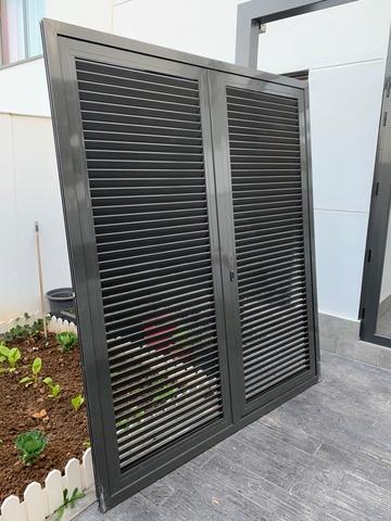 Celosia (Dos Puertas) Aluminio Gris