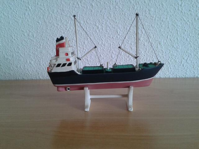 Barco Carguero Mercante Miniatura
