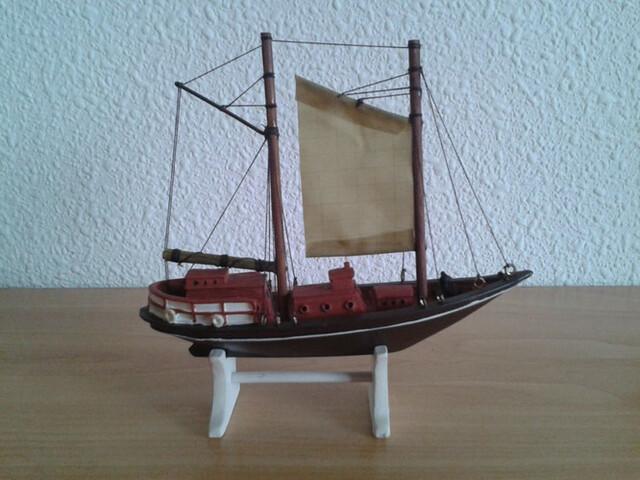 Barco Pesquero Dos Mastiles Miniatura