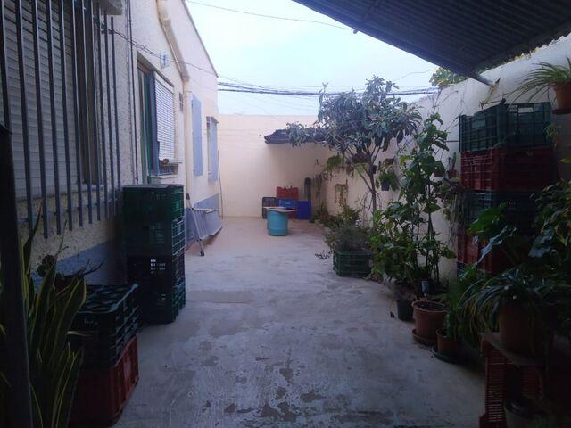 CASA DE PLANTA BAJA SUR - foto 2