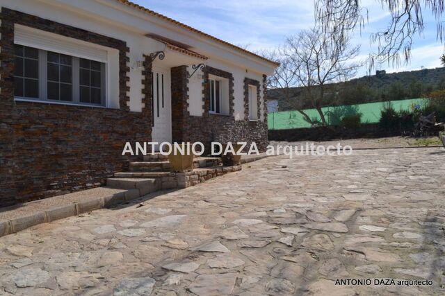 GRAN CHALET AL LADO DE ALCALÁ - foto 1
