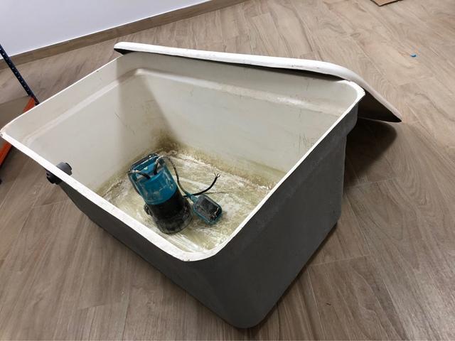 Depósito De Agua 300L Con Bomba
