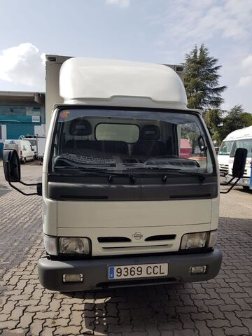 NISSAN - CABSTAR 95. 32 2. 7 TD ISOTERMO - foto 3
