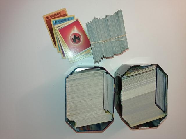 Casi 2000 Cartas Pokemon
