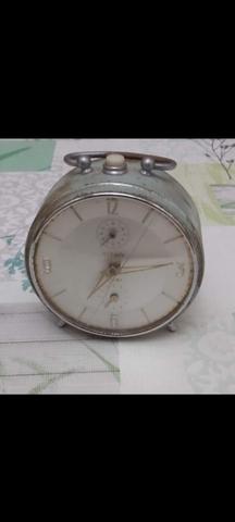 Reloj Titan De Sobremesa