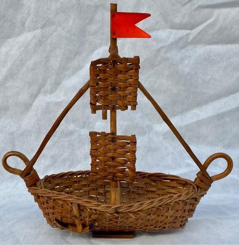 Barco De Mimbre Artesanal Antiguo