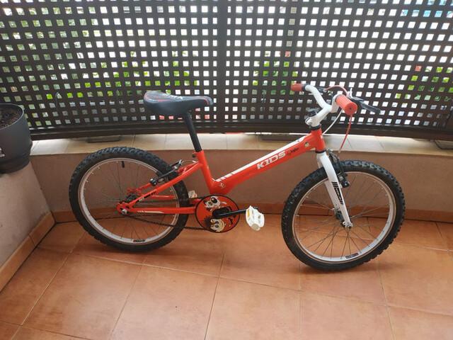 Vendo Bicicleta De 16 Pulgadas De Niño
