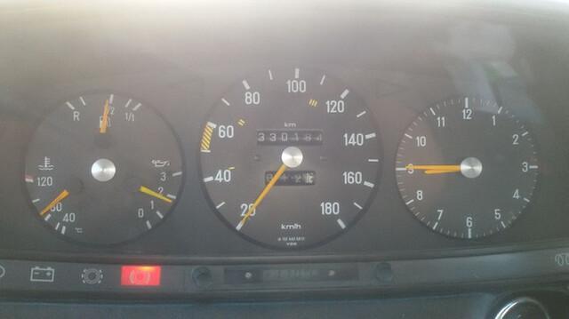 MERCEDES - W123 300D - foto 2