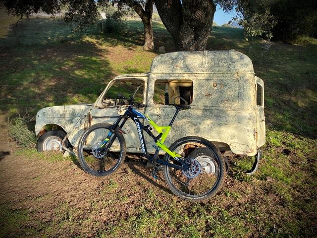 Bicicleta Montaña Enduro Carbono