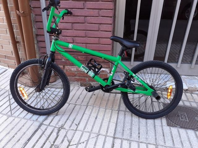Vendo Bicicleta Bmx Bien Cuidada