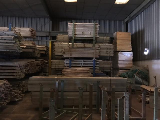 Sten Deck .  Material Seminuevo